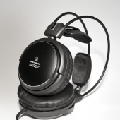 Ex Display Audio Technica ATH-A900X Closed Back Headphones in Excellent Condition with Box