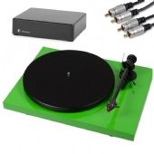 Project Debut Carbon ( DC ) Turntable inc. Cartridge, Lid, PreAmp & Cables