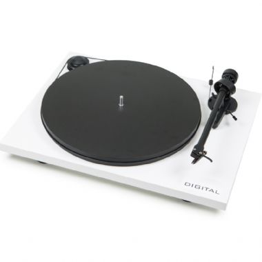 Pro-Ject Essential II Phono Digital Optical Turntable inc. Lid and cartridge