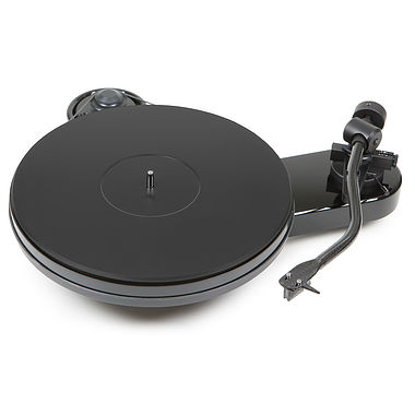 Pro-Ject RPM 3 Carbon Turntable inc Ortofon 2M Silver Cartridge